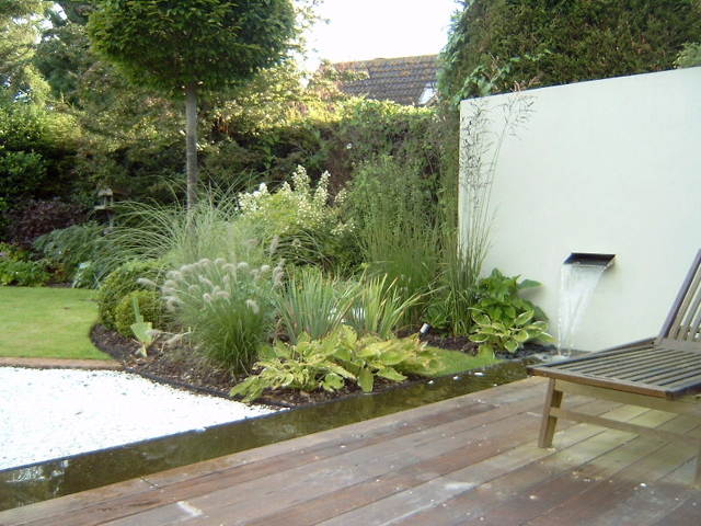 planting and soft landscaping with trough and fountain